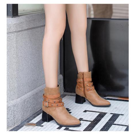 Dámské elegantní kožené boty na podpatku s řemínky