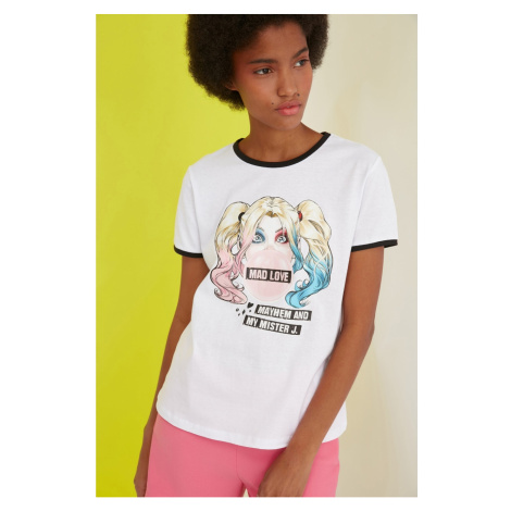 Trendyol White Harley Quinn Licensed Printed Basic Knitted T-Shirt